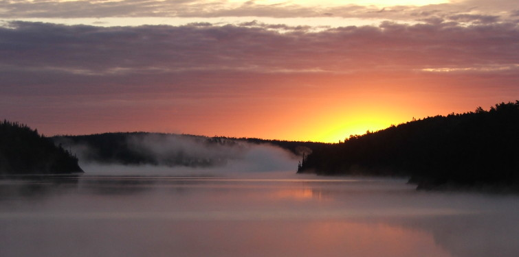 Norse-lake-sunrise-with-fog